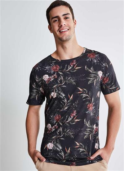 c9069bf43f Camiseta Estampada Floral Preta - Moda Feminina e Masculina  Roupas ...