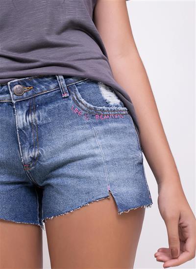 8a9763e12 Short Jeans Barra Irregular e Bordado - Moda Feminina e Masculina ...
