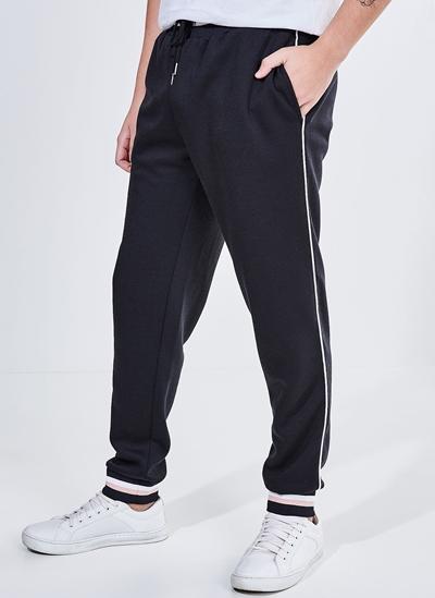 Calça em Malha Preta com Detalhes 06.02.0150 - Moda Feminina e Masculina: Roupas, Calçados, Acessórios e mais - Youcom