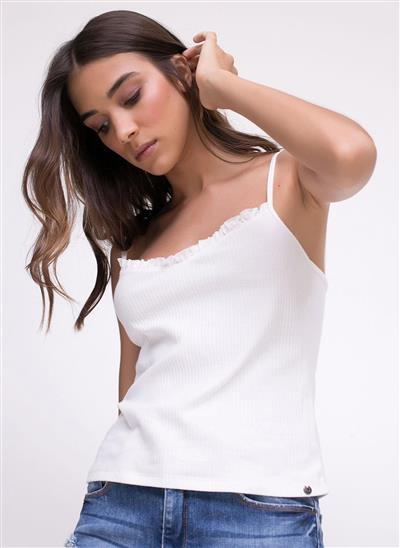 ebd73145bd Blusas femininas  confira a sua trend favorita
