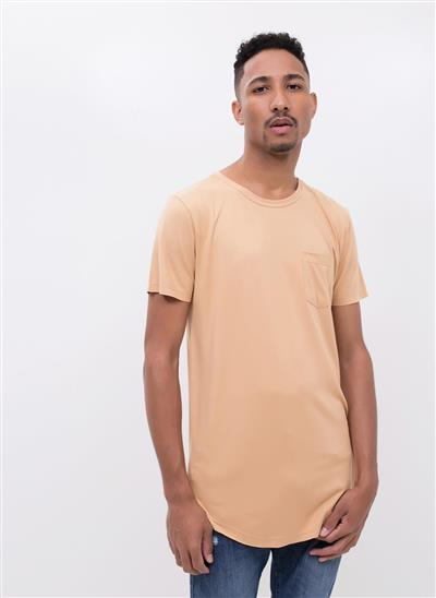 d635e1777 Camiseta Alongada com Bolso - Moda Feminina e Masculina  Roupas ...