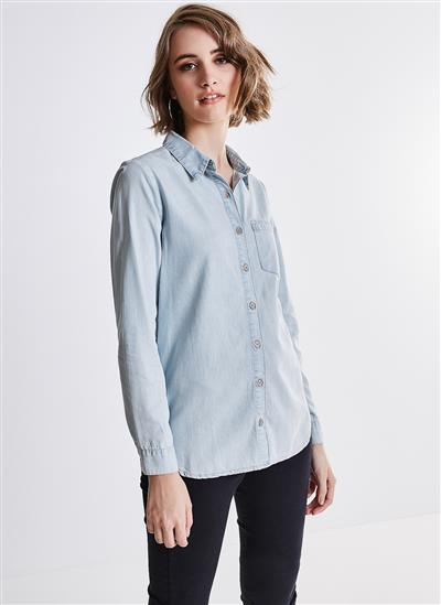Camisa Alongada em Jeans com Bolso